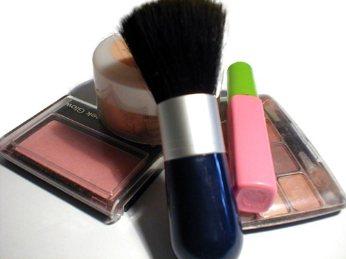 cosmetics can trigger acne