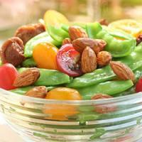 salad of almonds and tomatos